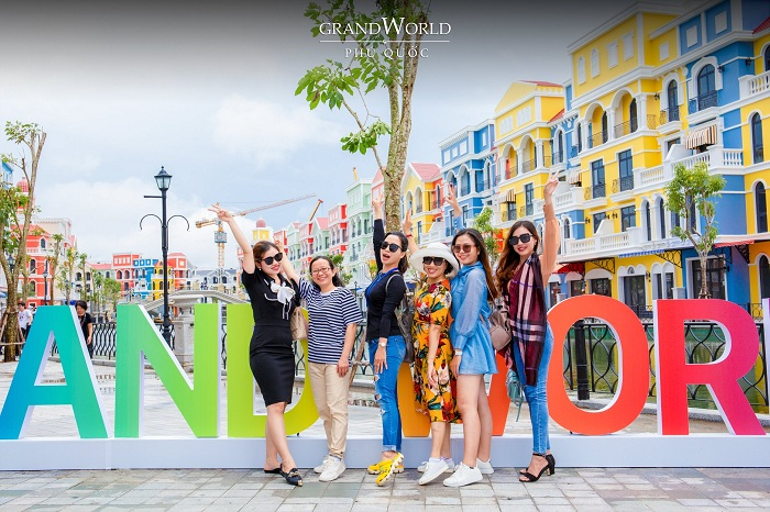 The way to explore Grand World Phu Quoc