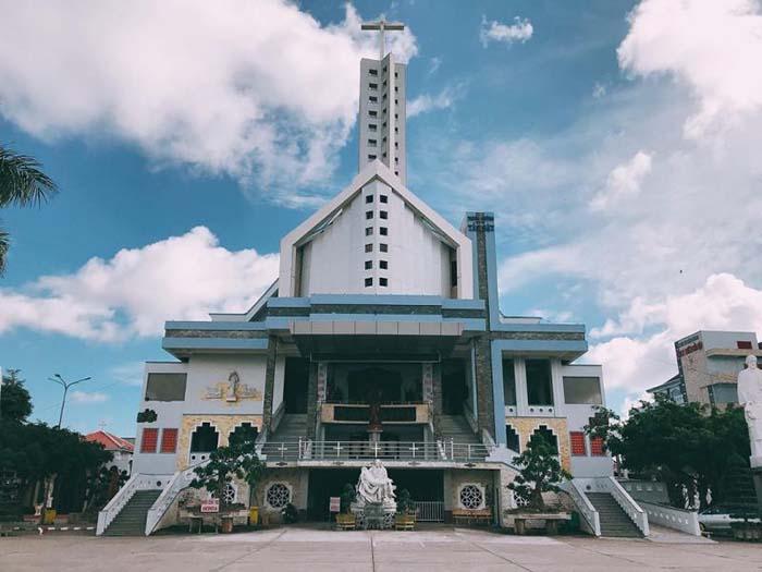 Pilgrimage to Father Diep Bac Lieu Church - quite unique architecture