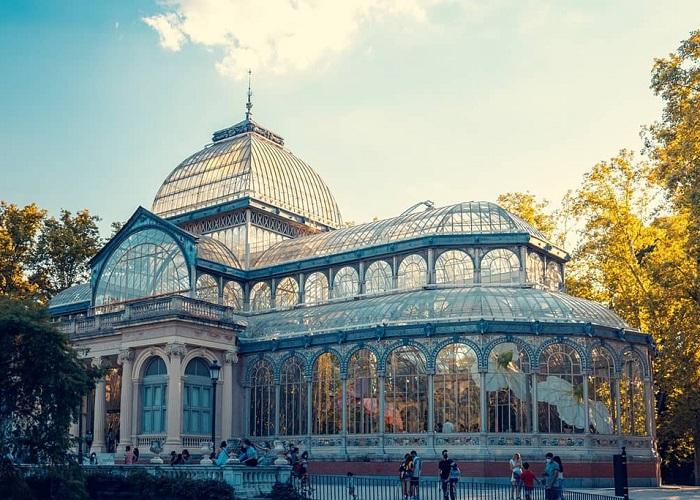 Cung điện pha lê trăm tuổi lấy ý tưởng từ cung điện pha lê ở London