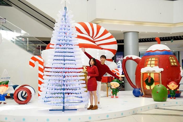địa điểm chụp ảnh Giáng Sinh tại Hà Nội-aeon-mall
