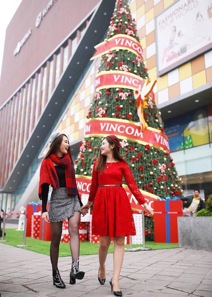 địa điểm chụp ảnh Giáng Sinh tại Hà Nội-vincom
