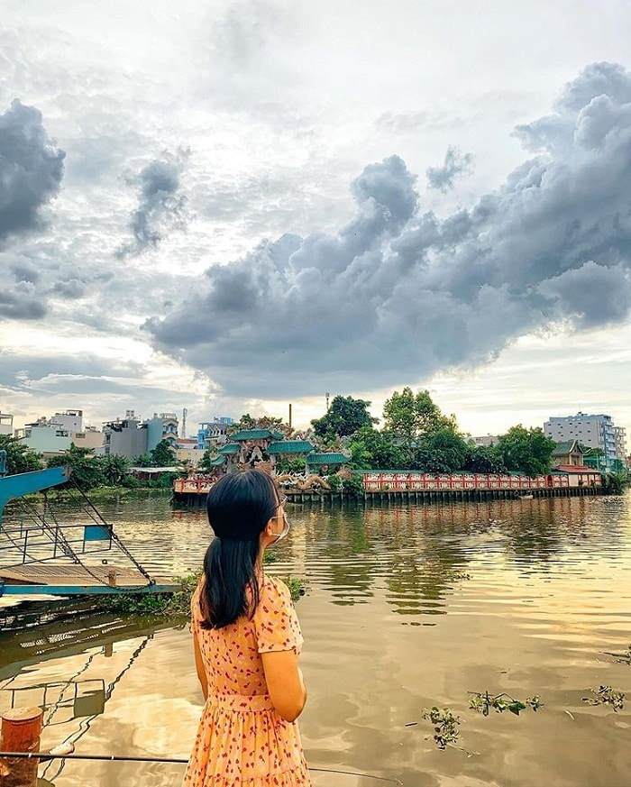 Introduction of Floating Temple on Saigon River
