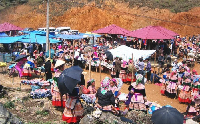 Nhắc đến các khu chợ phiên Hà Giang thì không thể quên chợ phiên Mèo Vạc