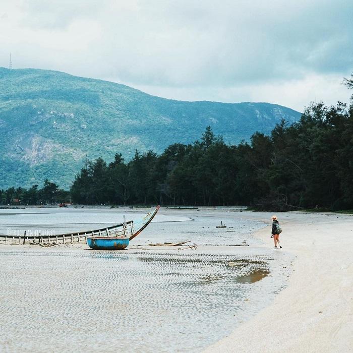du lịch Côn Đảo từ Hà Nội - ngắm cảnh bãi Lò Vôi