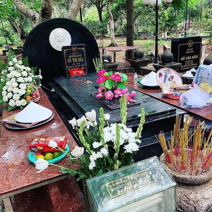 du lịch Côn Đảo từ Hà Nội - viếng nghĩa trang Hàng Dương