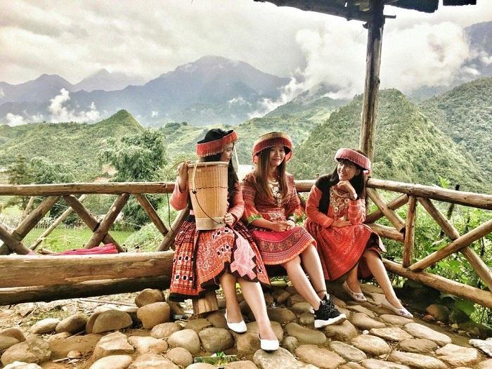 Chùm tour Đông Tây Bắc Tết 2021 - bản Cát Cát