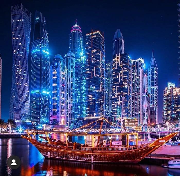 đi thuyền Dhow ngắm cảnh ở Dubai