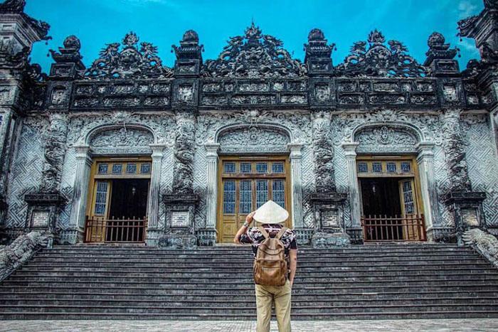 Vẻ đẹp ma mị của công viên bỏ hoang ở Huế - nằm khá gần với lăng Khải Định
