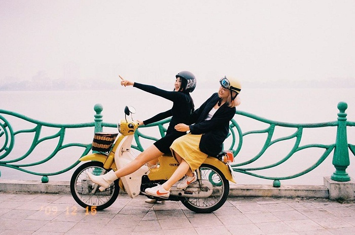 Dating location in Hanoi - West Lake