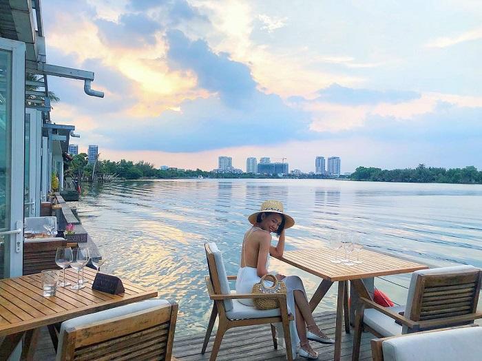 Kinh nghiệm du lịch Sài Gòn - du thuyền trên sông ở Sài Gòn