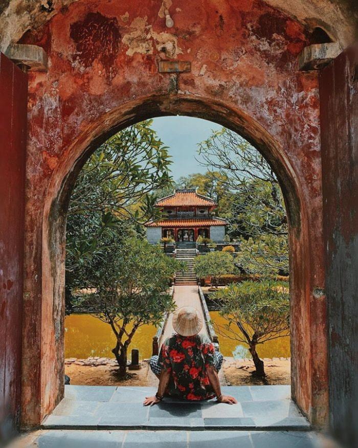 Architecture of Minh Mang Hue mausoleum - impressive beauty