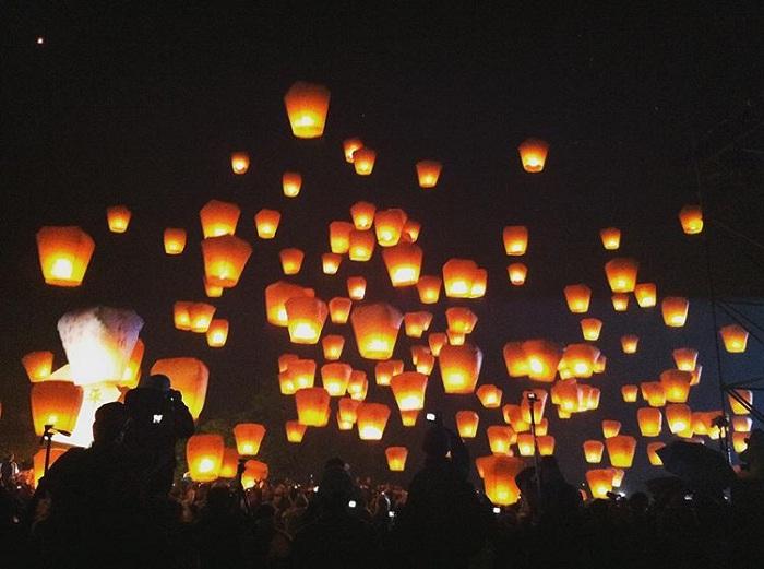 thả thả đèn trời pingxi -  lễ hội Đài Loan lung linh