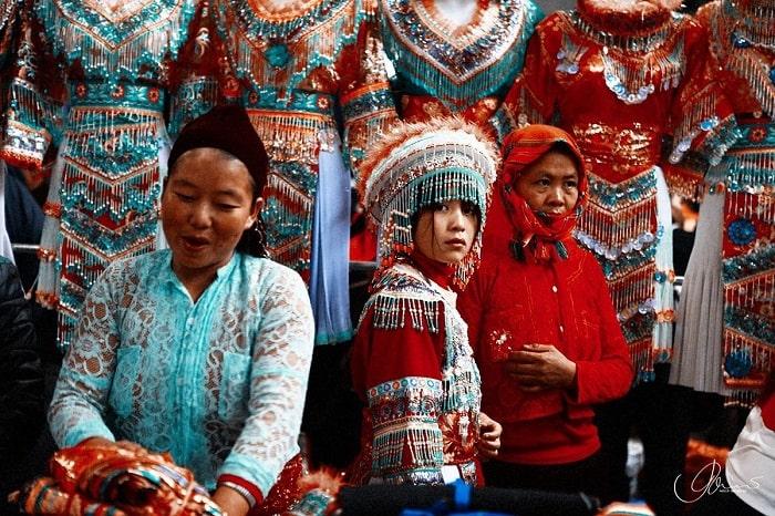 Rộn ràng chợ phiên Đồng Văn - một trong những chợ phiên Hà Giang được yêu thích