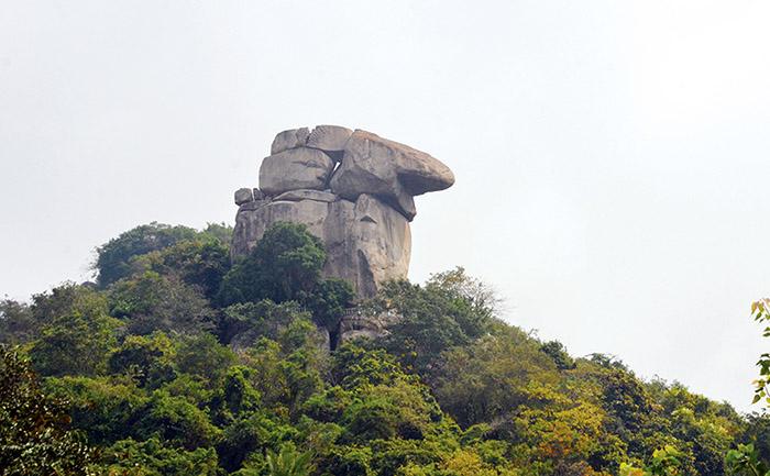 Travel Experience Tinh Bien An Giang - Mount Kec has a giant rock