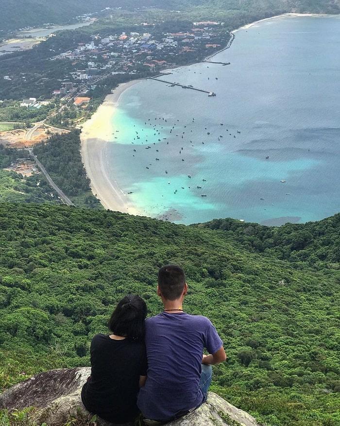 núi Yên Ngựa Côn Đảo bình yên xanh mát