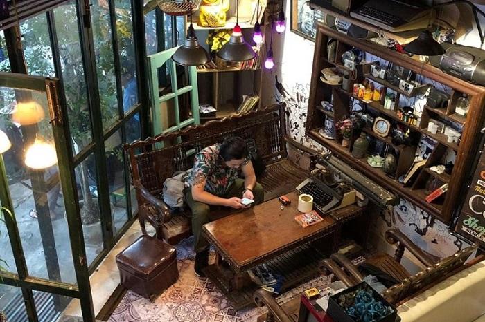 Beautiful cafe in Phu Yen - Wait Vintage cafe idyllic