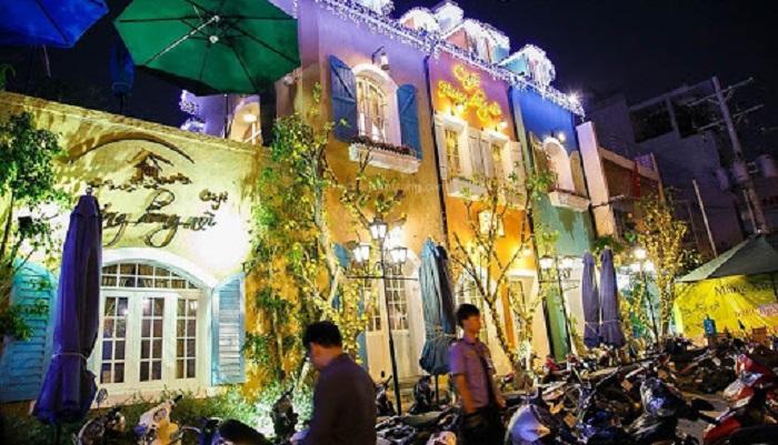 Christmas decoration cafe in Saigon-huong-dong-noi-1