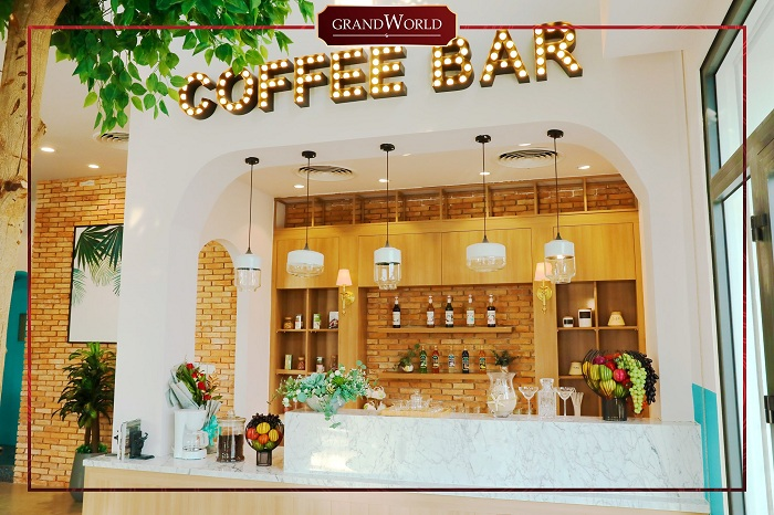 Discover Grand World Phu Quoc - food service