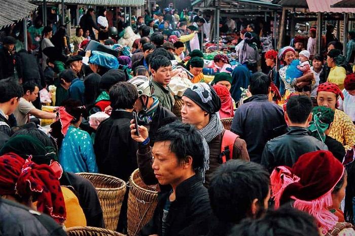 Rộn ràng chợ phiên Phố Cáo - một trong những khu chợ phiên hà Giang đặc sắc