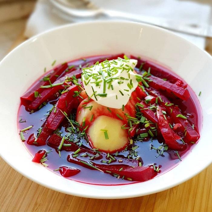 Du lịch Nga tháng 12 ăn súp Borsch