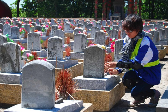 Visit Truong Son cemetery - a special historical relic in Quang Tri