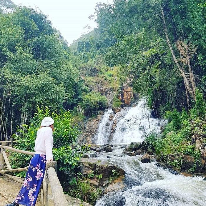 tham quan thác Datanla - dạo quanh đường mòn bên thác