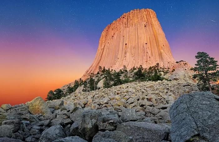 Đài tưởng niệm quốc gia Tháp quỷ - Top những địa điểm bí ẩn nhất trên thế giới