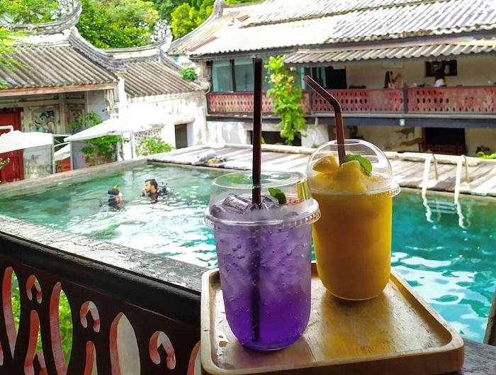 Drink water - attractive activity at Sol Heng Tai villa
