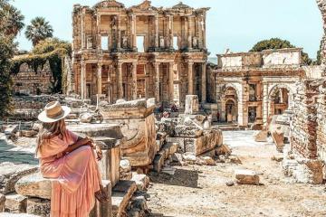 Check-in thư viện Celsus chiêm ngưỡng nét đẹp cổ đại đầy bí ẩn