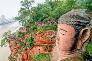 Chiêm ngưỡng Lạc Sơn Đại Phật - bức tượng Phật lâu đời nhất thế giới ở Trung Quốc