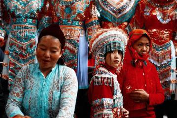 Rộn ràng và đầy màu sắc 4 chợ phiên Hà Giang nổi tiếng