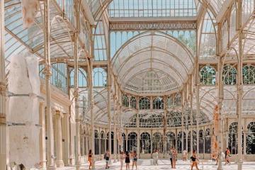 Đã mắt trước cung điện pha lê trăm tuổi ở Tây Ban Nha