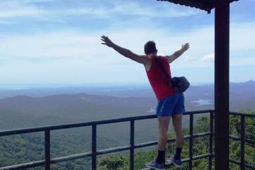 Rủ nhau chinh phục đỉnh núi U Bò Quảng Bình ngắm mây trời lộng gió