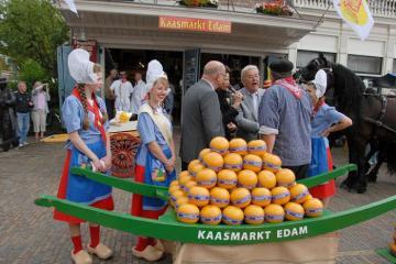 Điểm danh 5 khu chợ ở Hà Lan nổi tiếng thỏa thích mua sắm