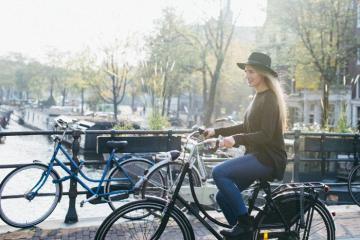 Du lịch Hà Lan nên mặc gì? Tư vấn chọn trang phục du lịch Hà Lan đẹp 4 mùa