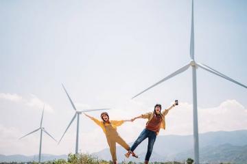 Thơ mộng cánh đồng điện gió Đầm Nại Ninh Thuận