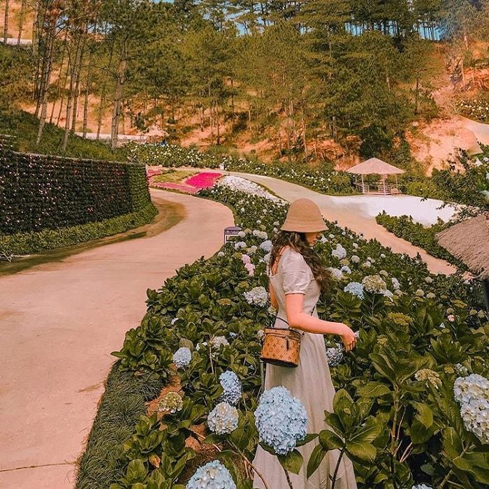 Thung lũng tình yêu - điểm tham quan trong chương trình khuyến mãi tour Đà Lạt 3N3Đ