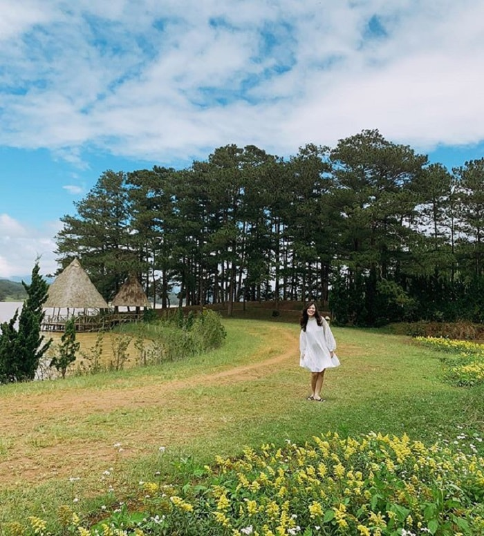 Dalat golden valley - check in by the green lake