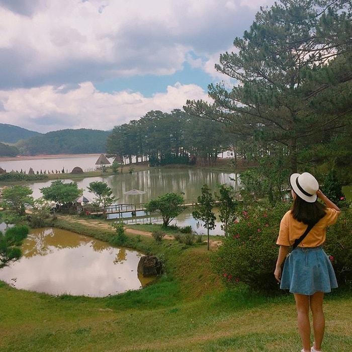 Dalat golden valley - cool green lake