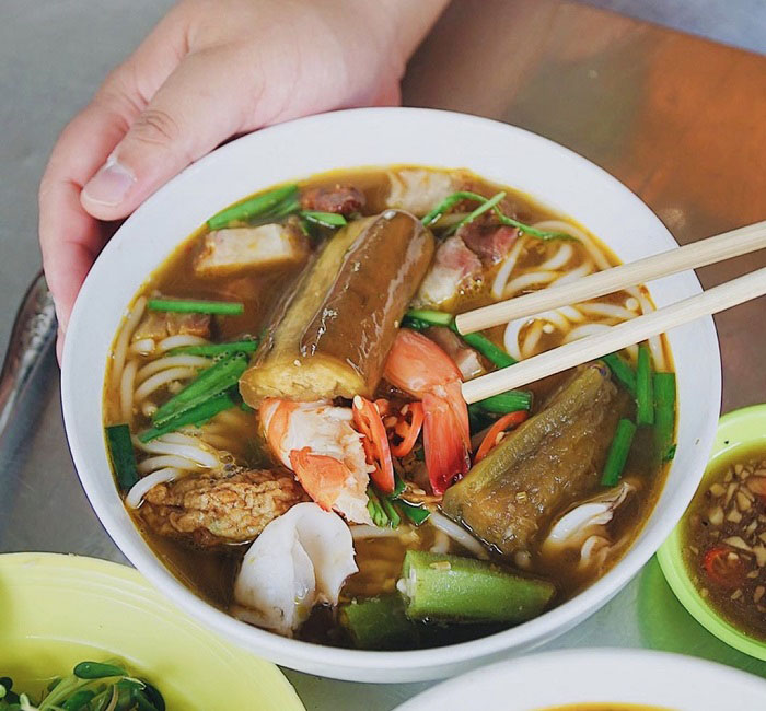 List of delicious vermicelli dishes in Vietnam - Nam Bo noodle dish full of attractive
