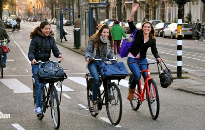 Trang phục du lịch Hà Lan - mặc gì ở Hà Lan dạo phố