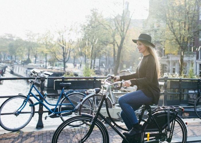Trang phục du lịch Hà Lan - cách chọn trang phục đi Hà Lan đẹp
