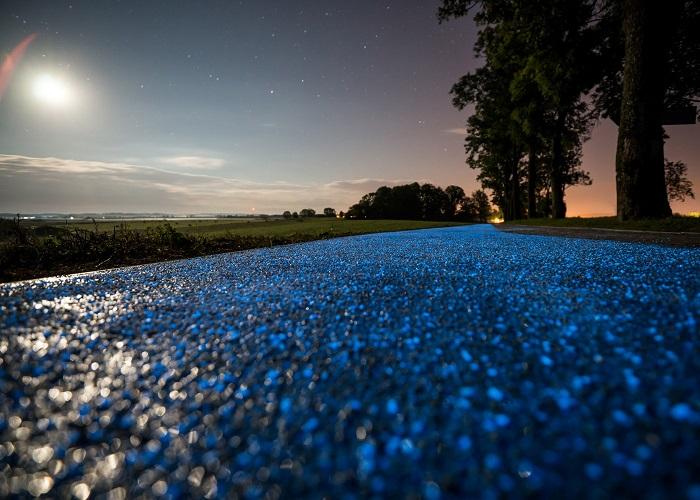 Mục sở thị con đường phát sáng dành cho người đi xe đạp tại Hà Lan