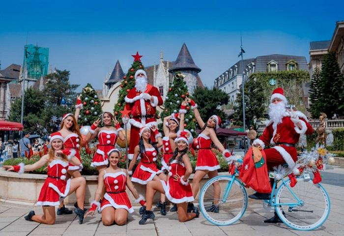 Celebrate Christmas at the winter festival in Ba Na Hills