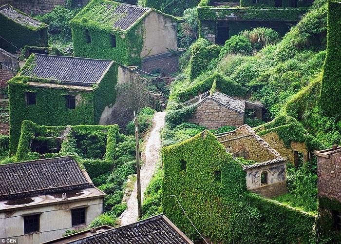 Kỳ lạ ngôi làng bị bỏ hoang nhưng luôn tấp nập khách tham quan tại Thượng Hải
