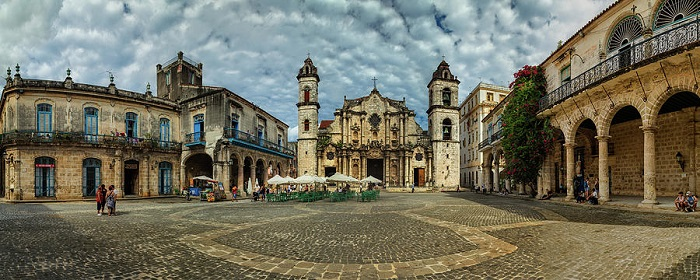 Have you known the churches in Cuba? Get in this Noel!