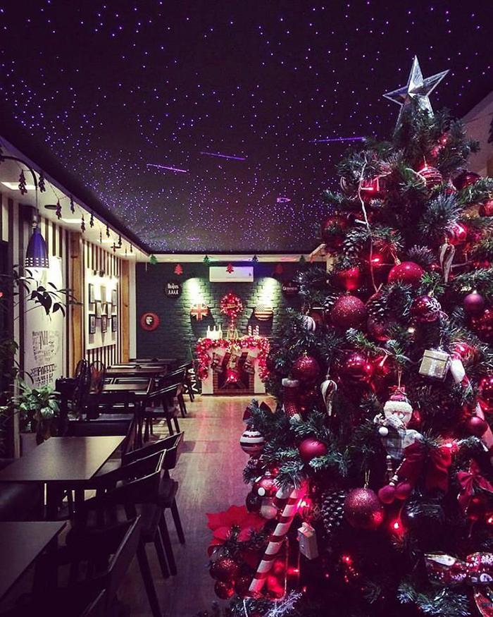 Một góc ảnh Noel đẹp lặng người ở quán Anh Kafe.