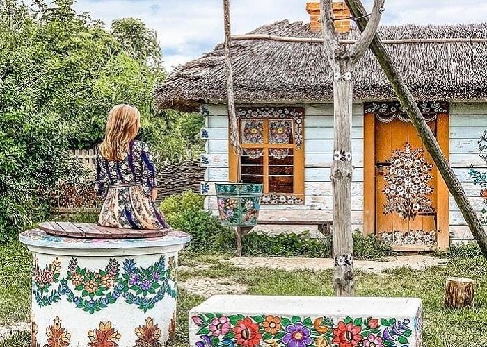Khám phá 'thị trấn nở hoa' Zalipie Ba Lan tuyệt đẹp