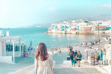 Choáng ngợp với sự hấp dẫn của 'hòn đảo tiệc tùng' Mykonos Hy Lạp