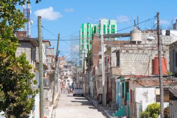 Thị trấn Santa Clara – Sắc màu đối lập giữa lòng Cuba